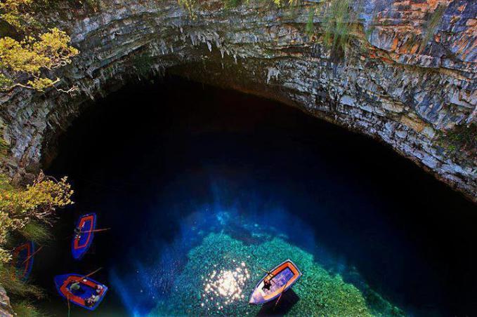 Nyemplung kesini pasti enak banget ya Pulau Cephalonia - Greece