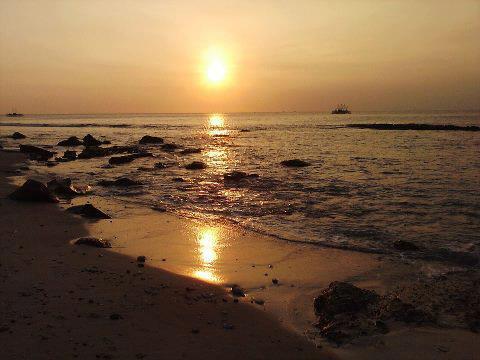 Pemandangan sunset di tanjung lesung, pandeglang,Banten. Sungguh sangat menawan.