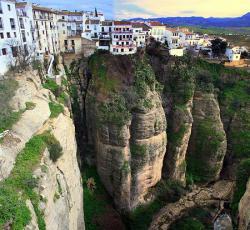 10 kota indah diatas tebing