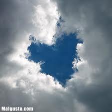 Wah!Keajaiban alam!Awan nya membentuk love!WOWWWW!!