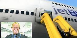 Pramugara berhenti kerja saat pesawat ada di udara
