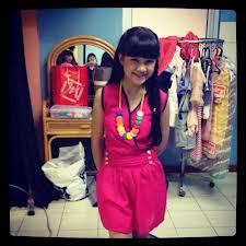 Guys! Tau gk kalau Bella Winxs itu nama aslinya Siti Anabella ?? Lahirnya 1995 bukan 2001 !! Wow, tua amat ya?? ABG tua kali dia.. Trus katanya dia asalnya dari kampung dan skrng dia numpang hidup di Ibu Tiri nya .. :'( Gimana sifat Bella Winx