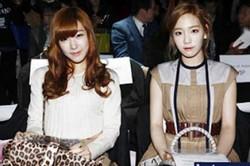 Taeyeon dan Tiffany berbagi cerita tentang cinta pertama mereka