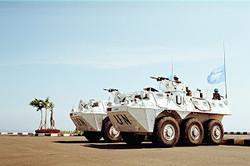 Irak dan Uganda sudah menyampaikan ketertarikan untuk memesan senjata-senjata buatan Indonesia. Bahkan pejabat Irak, pada hari ulang tahun TNI ke-67 Oktober 2012 nanti akan hadir dan melihat senjata-senjata buatan Indonesia. Rupanya, selain dua negara dari Afrika dan Timur Tengah itu, negara-negara Asia Tenggara juga sudah menunjukkan ketertarikannya atas senjata-senjata dan alat angkut militer buatan Indonesia. Malaysia dan Brunei Darussalam sudah mengadakan observasi, kata Wakil Menteri Pertahanan Sjafrie Sjamsoeddin dalam perbincangan dengan VIVAnews di gedung DPR, Jakarta. Satu negara Asia lain yang juga berminat senjata buatan Indonesia, yakni Filipina. Menurut Sjafrie, negara-negara lain berminat senjata buatan anak negeri karena teknologi yang diterapkan. Indonesia memberikan calon pembeli dengan opsi teknologi menengah. Seperti transportasi sedang, transportasi ringan Anoa, senjata ringan. Semua kaliber dan pistol, jelas Sjafrie. Khusus untuk Malaysia dan Brunei, kata Sjafrie, dua negara itu tertarik pada Panser Anoa buatan PT Pindad. Untuk Filipina tertarik apda CN235 dan LPD (jenis kapal/Landing Platform Deck). Kemajuan industri juga sudah melebar ke Arab Saudi. Indonesia sudah mengirim sampel senjata sebagai tahap awal kerjasama. Kita sudah memberikan contoh produk ke Arab Saudi, tapi baru penjajakan. Responnya belum, jelas Sjafrie. Produksi senjata Indonesia yang terus dikenal di dunia internasional itu juga mendapat pujian dari Australia. Kementerian Pertahanan Australia, kata Sjafrie, melihat industri pertahanan Indonesia sudah maju pesat selama 5 tahun ini.