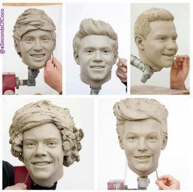 ini adalah patung personil boy band one direction Zayn, Nial, Liam, harry, and Louis