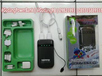 Power Bank Hippo Outlander 8800mAh Bisa Output 3 Gadget sekaligus. Bergaransi selama 3 bulan (resmi) Product Specification: - Capacity: 8800 mAh - Input: DC5V/1A - Output1: DC5V/0.6A - Output2: DC5V/2A - Output1: Charging Speed for mobil