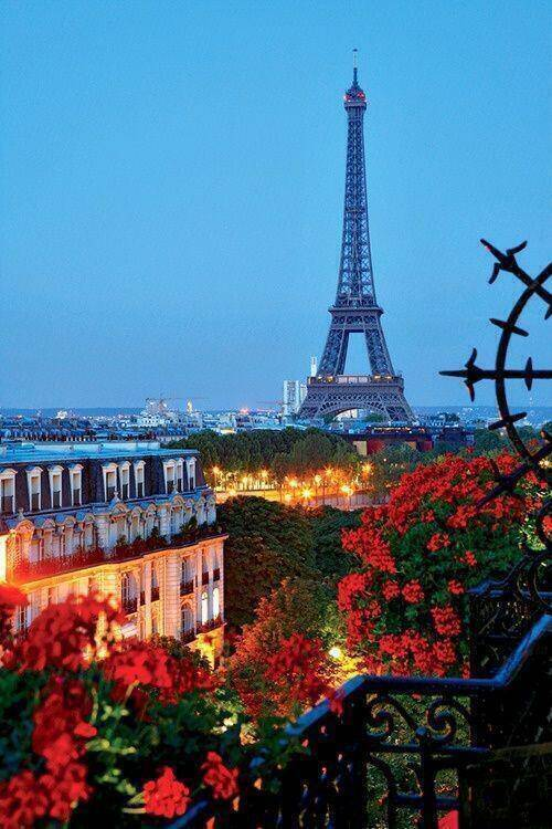 Eifffel Tower ,PARIS ,France.LA-TOUR EIFFEL. Klik wow ya yang suka eiffel ,semoga bisa ke paris . AMIN