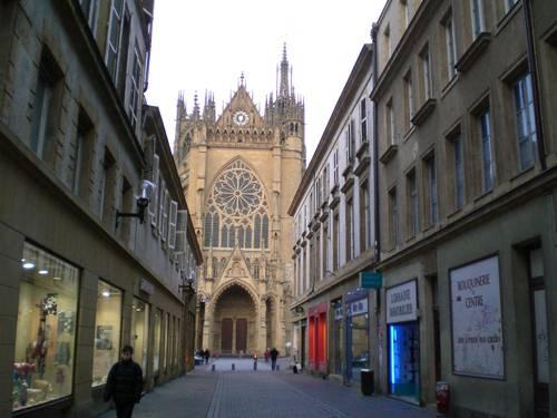 Bagai mana Tempat Di Façade Occidentale de la Cathédrale Saint Etienne.. Bagus ga all jangan Lupa Wow nya all.. udah Cape nih Wisata Ke Façade Occidentale de la Cathédrale Saint Etienne..