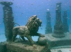 Keren!! Ada Pemakaman Bawah Laut Ala Atlantis di Florida