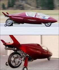 ini adalah mobil rumel racing asli siapa yng ngak tau bodi yang sangat kecil seperti kapal yang kecil
