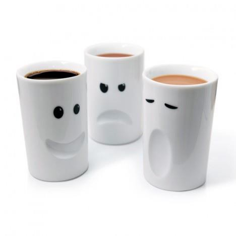 Mug ini bernama Mood Mugs Karena bentuk Mugnya Seperti Mood/Ekspresi wajah seseorang, ada yang Sedih, senang, dan cemberut. menarik ya kalo kita minum teh atau kopi dengan bentuk mug yang unik seperti ini. Menurut anda, mana paling lucu?
