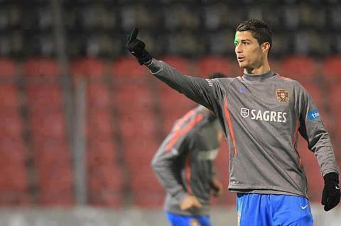 WOWNYA BRO SIS!! Ronaldo SAID : FUCK YOU SINAR LASER!!!!! @Grizenzio http://grizenzioorchivillando.blogspot.com
