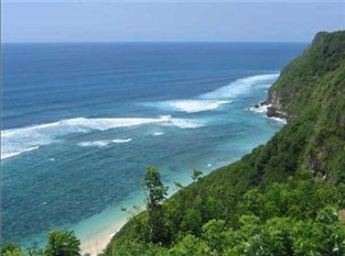 Beauty Beach,white sand,blue see,green Forest ;)