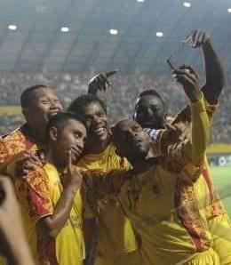 Selebrasi Poto Narsis ala Anak Sriwijaya FC,, Bruaakakakakak, Ciiiiiiiiissssssshhhhhh