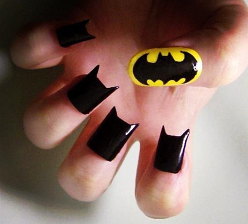 Eng Ing Enggg.... Batman Nail Art is Coming...! Ada yg mau kukunya dihias kayak gini?