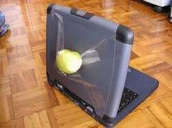 gak kebeli laptop merk apple jadi begini nih.. okwowkowkowkow Wow Nya Mana.