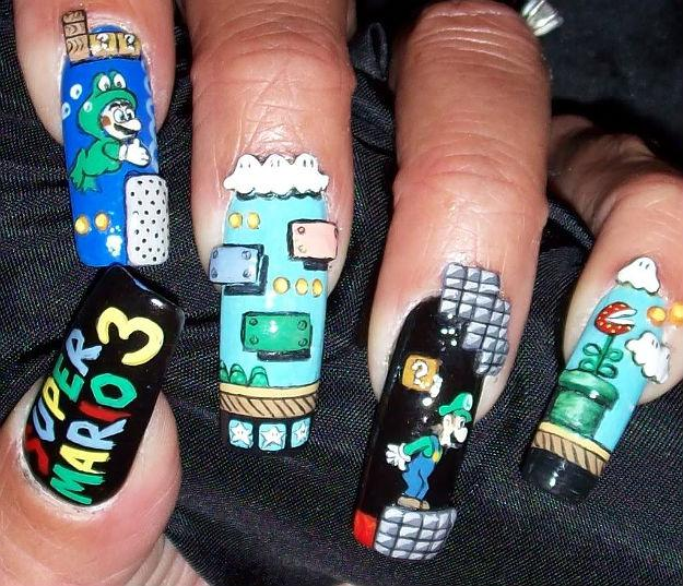 Trerererengggg.... Mario Nail Art buat kamu para Mario-Lovers... Mmm, Sobat Pulsker mau gk kuku-nya dihias kayak gini? Pastinya Keren dan Unik bgt, deh! Ahaydeuh!