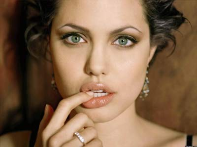 10 Wanita Pemilik Bibir Terseksi