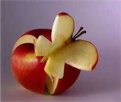 WOW, buah apel inii lucu dan unik ya kalo lucu dan unik tinggalin WOW nya donk buat buah ini