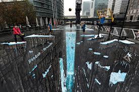 Lukisan 3D yang di lukis di Jalan raya. Keren ya (y)