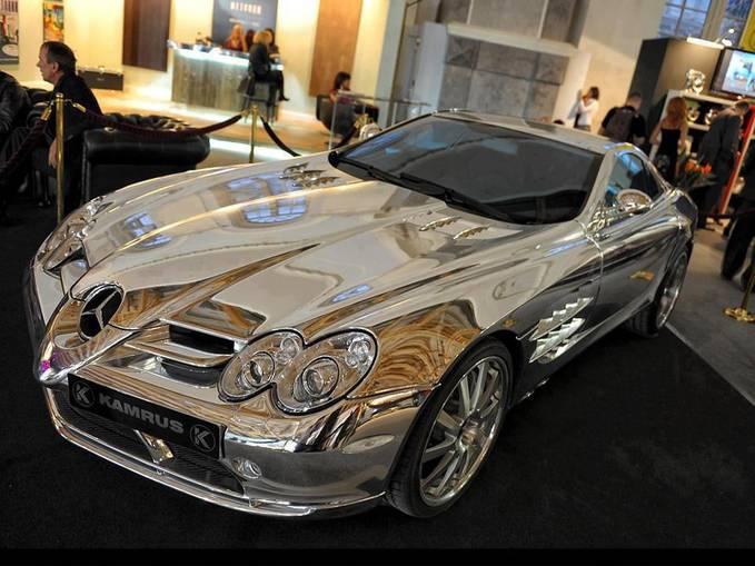 Pure White Gold Mercedes Benz mobil ini dimiliki oleh seorang miliarder minyak di Abu Dhabi. mobil ini dibuat menggunakan emas putih dan dinobatkan sbg salah satu mobil termahal didunia