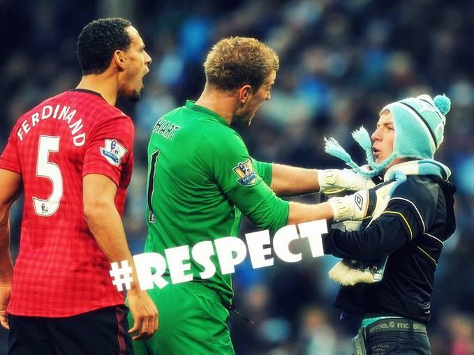 Ketika Rio Ferdinand Dilempari Koin Oleh Salah Satu Supporter City.Joe Hart Marah Pdahal Itu Supporter City............. #Respect