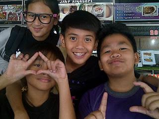 Penampakan Lambang Iluminati di Coboy Junior