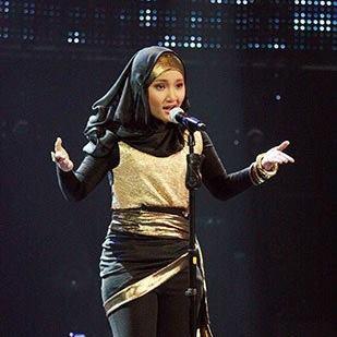 Fatin Shidqia Lubis nyanyi lagu Diamonds-nya Rihanna. Gimana suaranya? Bagus nggak? Please klik WOW ya! Juri udah pada bilang WOW :D