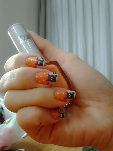bagus yh nail art nyaa, jngan lupa woownya yh :p