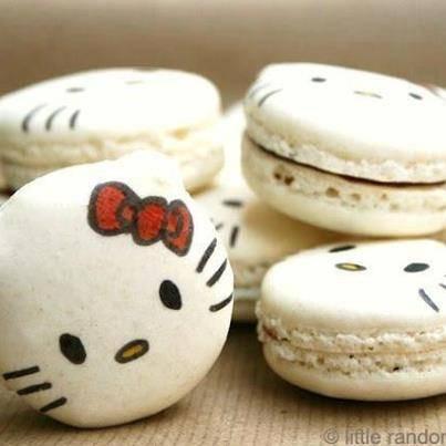 Sayang nih klo macaron nya dimakan.., ;) :) =D :3