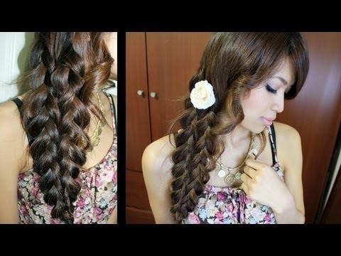 mermaid tail braid 1. bagi rambut jadi 2 bagian , lalu kepang kemudian diikat 2.gabung kedua kepang tersebut dengan cara di jepit (jepit biasa) (gabungkan rmbut kepang ke 1 dan 2) dan ....... jadi deh =D kalo ngerti coment ya ;)