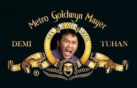 Ha...Ha...Ha Logo Lama Metro Goldwyn Mayer yang Bergambar Singa Mengamuk Sudah Berganti Menjadi Gambaran Arya Wiguna yang Sedang Marah :D