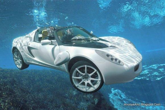 ini mobil unik yang khusus di air .. waaw pasti harganya mahal banget ya pulsker .. jangan lupa WOWnya