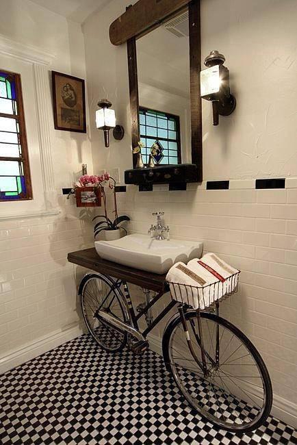 wah desain kamar mandi yang unik ya!:)