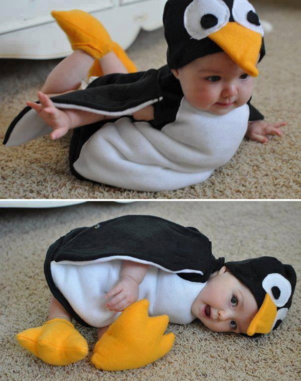 Adek bayi ini lucu banget ya pake kostum pinguin...hayo sapa yg gemes melihat adek bayi ini? ^^