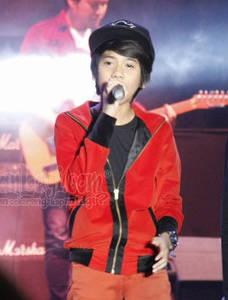 Coboy Junior Buka Tur 30 Kota di Malang Kapanlagi.com - Boyband cilik asal Jakarta, Coboy Junior baru saja menggelar konser di kota Malang (28/04). Konser ini adalah pembuka rangkaian tur 30 kota yang akan mereka jalani sepanjang tahun 2013 ini