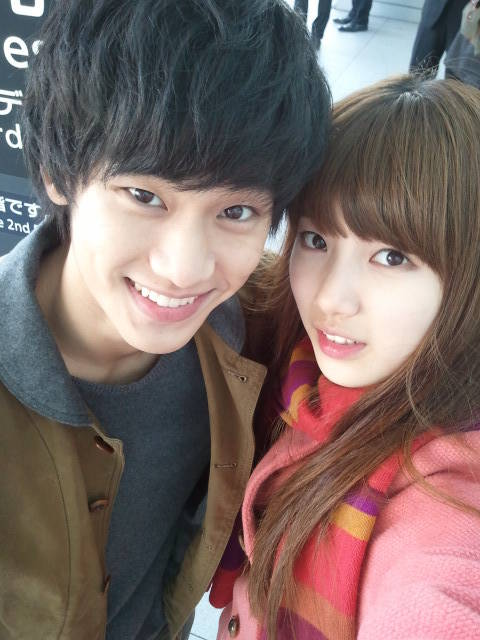 si ganteng soo hyun dan si cantik Suzy,,, cocok bgt,,, gimana menurut kalian?