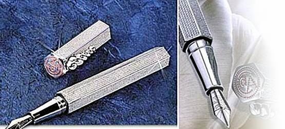La Modernista Diamonds Pen di nilai dengan Usd 265,000. Pen ini pernah mencatat rekod pen termahal pada tahun 2001 dan di senaraikan di Guinness Book Of Records. Pen ni dibuat oleh sebuah syarikat yang berpengkalan di Switzerland,Caran Dache.