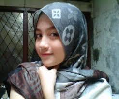Siapa ini????? Yupz ini dia Nabilah JKT48 pke jilbab. . .gak kalah cantik sama gk pke jilbab :D