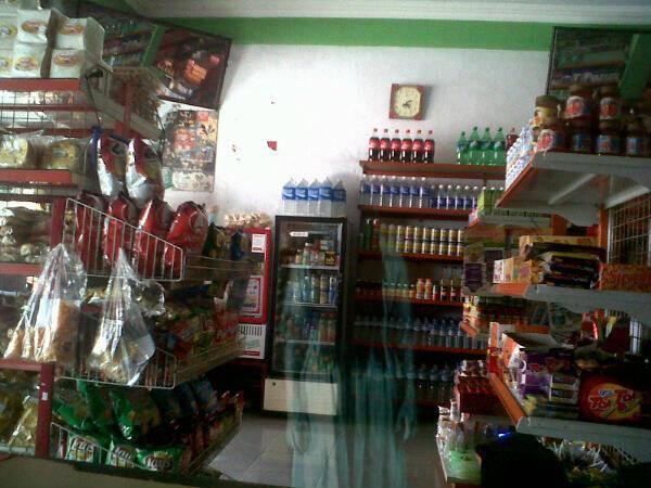 Hantu di mini market