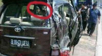 Pnampakan Hantu di Mobil saipul jamil saat kecelakaan di tol yang menewaskan istrinya