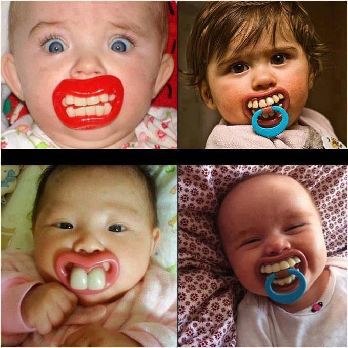 bayi -bayi ini bukan terlalu cepat punya gigi, tapi tu adalah empeng unik yang bikin bayi-bayi lucu ini jadi punya gigi yang besar-besar hahhahaha :) wow ya teman