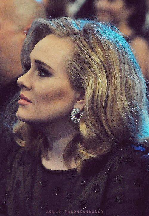 HAppy Birthday ADELE !! Kemaren Tanggal 5 Mei Adele Ultah .. Selamat YA .. Yang Ke 25 :) Wow nya ya !