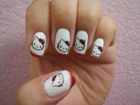 Unik ya,nail art yg satu ini!Gambarnya Hello Kitty! Sudah melihat? Klik WoW