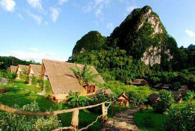 "Tanakita Camping In Indonesia ""Tanakita camp is located in Sukabumi, West Java, Indonesia"" Tanakita Camping di Indonesia Tanakita adalah kemah lokasi diSukabumi,jawa Barat,Indonesia.."