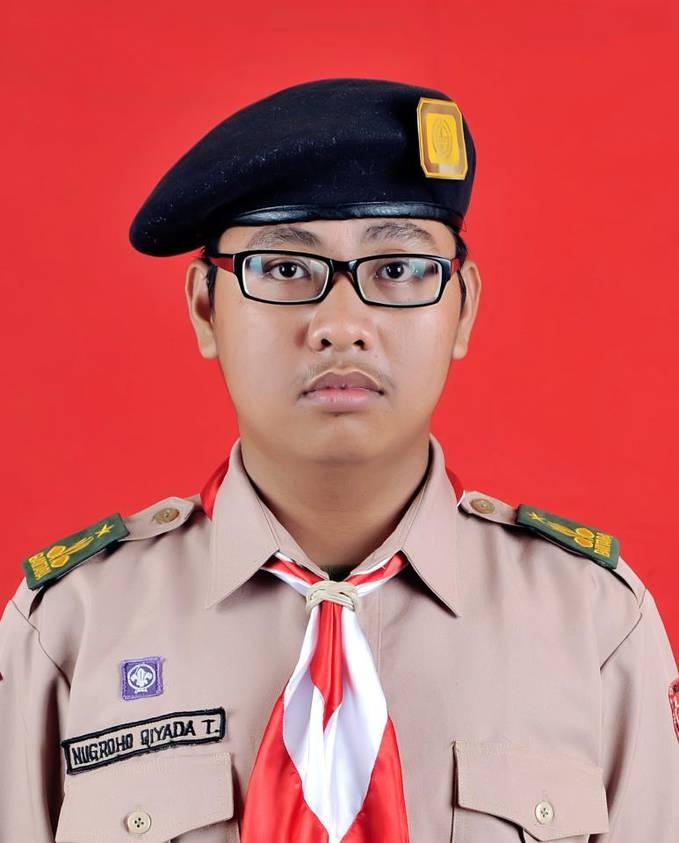 My brother, his name is Nugroho Qiyada Timor.. Kaka pertamaku, dia ikut Pramuka, Pramuka sejati *kyak nya* Hehe, diam2 nih upload ny... Pendapatnya apa.? Jangan Bully*ngehina*..!