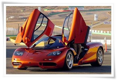 MCLAREN F1 Pada tahun 1994, mobil keluaran McLaren F1 merupakan mobil tercepat yang ada di dunia walaupun saat ini McLaren sudah tidak berada dalam daftar dari kelompok mobil - mobil super