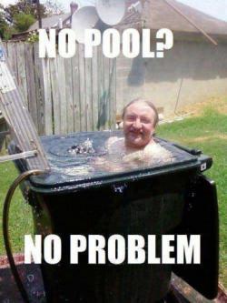 gk ada kolam renang tong sampah pun jadi :D