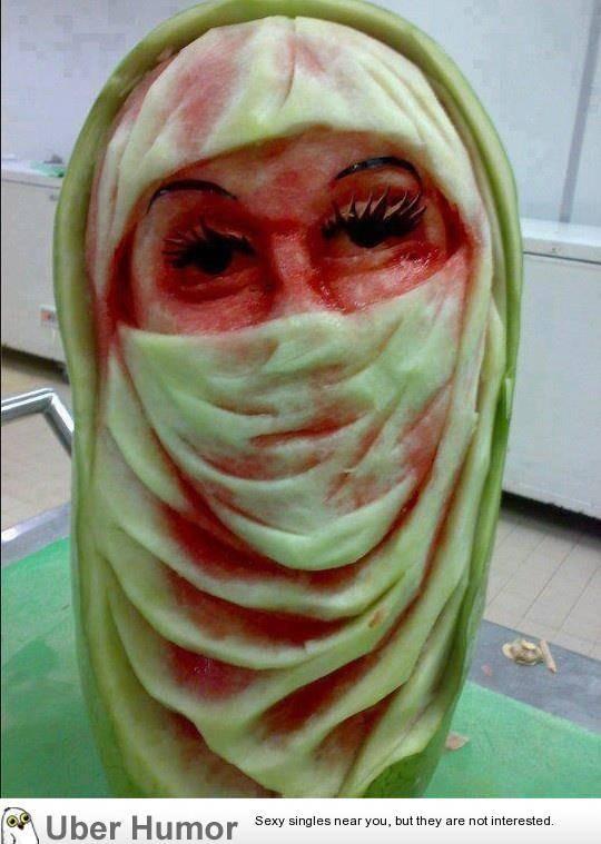 percaya ngk lu pade brad,,nih dari cewe terbuat dari water melon alias MELON.. lebih jelasnya klik wow aja brad.. :))