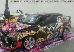 Mobil keren dengan Modification full ONE PIECE art! (^o^) wooooow!